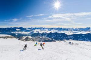 Skiers on glassier in Tignes