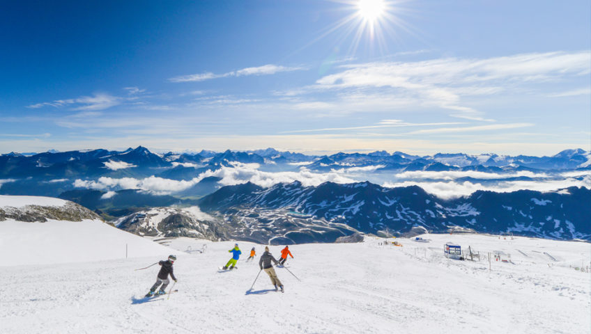 Skiers on glassier in Tignes